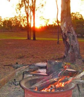 Start the day early with a warming sunrise and campfire to get you started – what a setting to wake up to!