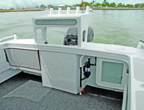 A clean uncluttered transom with rounded corners assures anglers that fishing will be easy in this big rig.