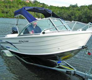 The Savage 435 Bay Cruiser presents as a neat, well turned out budget style craft in the best Savage tradition.