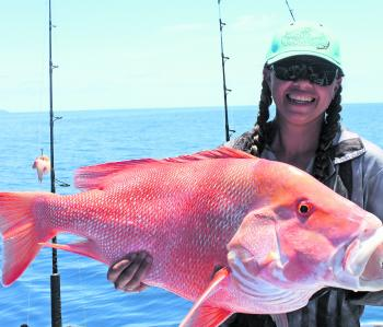 Shanay Pinchbeck with a solid Whitsundays red emperor.