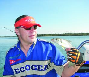 Colin with a nice size summer whiting caught on the new Ecogear 40mm Vibration bait.