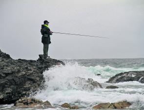 Fishing the rocks at Burgess Beach is a good way to kill some time and catch fish like pigs, bream, tailor and salmon. It will fish even better by the end of this month.