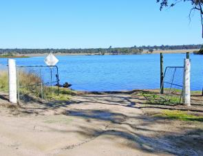 Gordonbrook's boat ramp is an earth ramp so bigger boats may find trouble. However it is electric only and these smaller, lighter boats will find no issues with launch and retrieve.