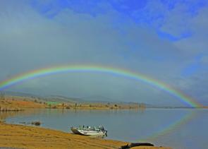 A break in the clouds at lunchtime on Khancoban Pondage allowed the sun to enter and produce this stunning rainbow.
