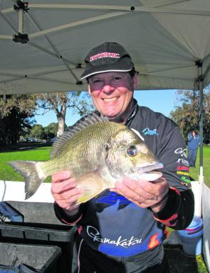Graham Franklin took out the Fins Braid Lake Macquarie BREAM Qualifier with 10/10 fish for a total of 6.19kg.