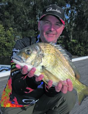 Tom Deer's big bream (1.41kg) was caught using a Bassday Kangoku shad in colour c124.