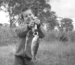 The Taylors Lake channel supports redfin, golden perch and Murray cod, and can be fished effectively with bait or lures.