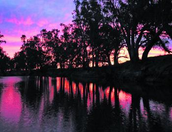 Sunset on the lower Ovens River. Twilight periods of the day are great fishing times for all species in the Wangaratta area.