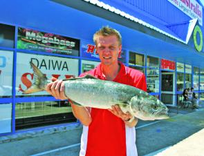 Ian Rowe from Fishing Tackle Australia with a 4kg tailor from caught from the Quarry at Coffs by Andrew Mainey.