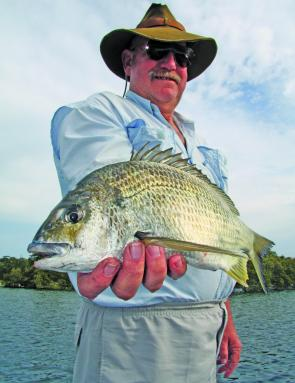 Local Tea Gardens expert Dave Glynn displays a healthy spring time bream.