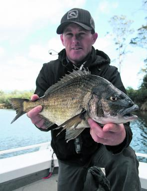 Sean Gower with a 41cm big blue-nosed Scamander bream.