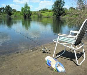 There are multiple access points in the upper freshwater reaches to enjoy land-based fishing for carp and mullet.