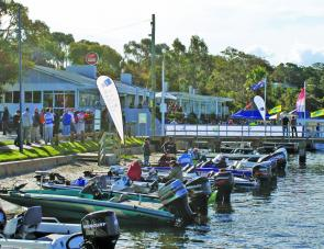 The perfect place for a weigh in, the Metung Hotel is a crowd favourite to displays boats for the public