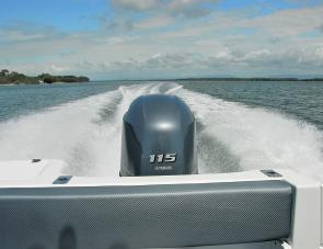 The F115B in action on the 530 Cruise Craft Explorer's transom.