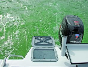 The 5300's big recirculating live well is a strong point for the serious angler.