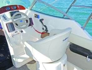 An extra strong swivel bucket seat is set up for the skipper's comfort in the 605 Exess.