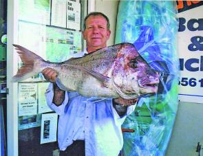 Paul Walton from harrington with just under 9kg of snapper taken off Old Bar on a lightly weighted bait.