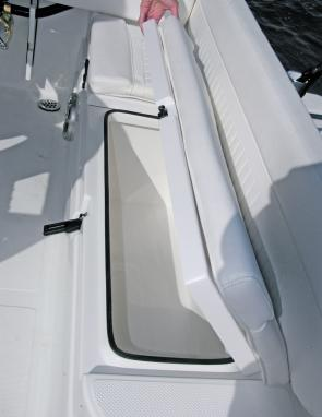 Suited to either cold drinks or the catch aft seating rests atop another large ice box.
