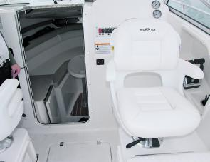 The skipper's seat slides and swivels for a perfect fit.