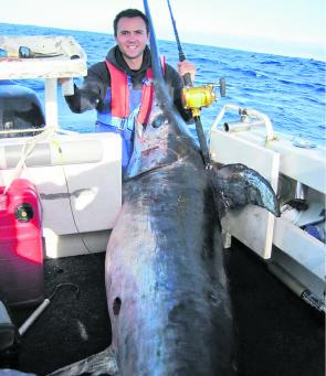 Leo Miller and his crew snared this monster broadbill to shatter previous line class world records!