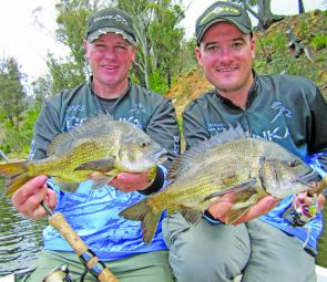 Twin fish, twin lures and twin anglers – matched!