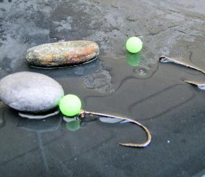 The normal bottom rig for drifting a live or cut bait in the estuary or nearshore.