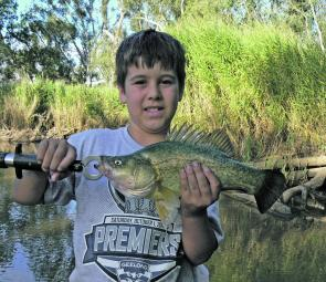 Curtis Vanstan with a nice Wimmera river yellowbelly.