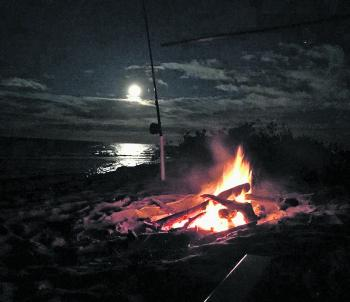 Beach fishing and a fire is a great evening with mates.