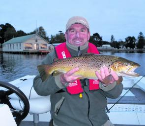 Craig Mitchell landed this superb brown trout in Lake Wendouree. Caught on an Olive Magoo fly, the fish weighed in at 6.5lb and was a great reward for effort. Photo Courtesy Craig Mitchell