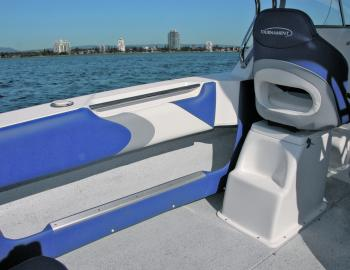Angler-friendly features abound in the Tournament 2000 Bluewater Gen 2, including massive side pockets with footrest, cockpit side coaming and handy grab rail.