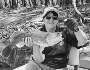 This Murray cod was caught by Carol Gurnett in the Murrumbidgee River near Balranald. If you use lures instead of bait you will generally catch a better class of fish.