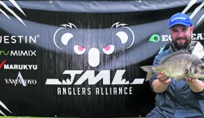 Paul Malov from Team Lowrance HDS displays the 1.67kg bream that handed his team the JML Anglers Alliance Big Bream.