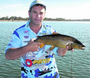 Fellow writer VFM Shane Stevens with another Fyans brown.