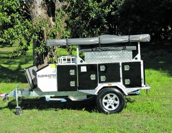 Sturdy, compact and ready to go anywhere – that's the HKC 4000 Bushmaster camper.
