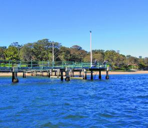 Gunnamatta Bay wharf is a great place for a spot of land-based fishing. Make sure you take your rubbish away when you leave.