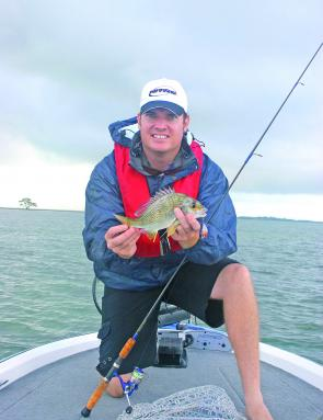 Flats around river mouths and rocky headlands are prime bream locations when the tide is running out.