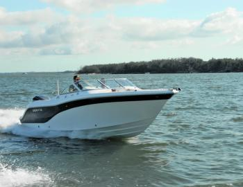 The Sea Fox 226 Traveller bow rider qualifies as an all-rounder due to its size, which incorporates ample storage, lots of work room, plush seating, a toilet within the console and no shortage of power from the 250 Yamaha 4-stroke.