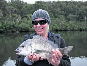 Rona caught this 34cm bream on her first cast ever, an awesome result. This was one of nine bream she caught on blades on her first fishing outing.