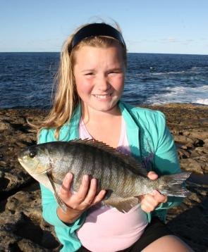 Rebecca Finney with a better than average blackfish from Currarong.