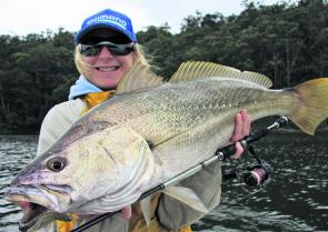 Trudi Badullovich was ecstatic to win the battle with this 8.7kg mulloway on bream gear and 4lb leader. She and the author followed the fish with the electric motor for 22 minutes and it came within netting range several times. Each opportunity was aborte