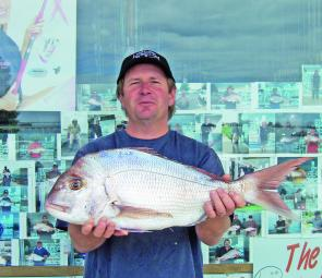 Portland local Stu Elder caught this lovely 3.5kg snapper from the Lee Breakwater.