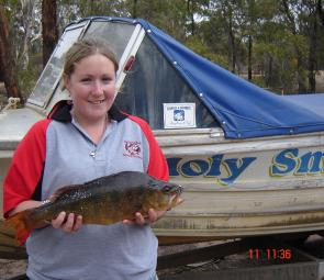 Sarah McMaster with a 1.7kg redfin from Lake Wartook. – Jase please crop rhs