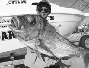 Try fishing for snapper at spots like the Barwon Banks, Deep Tempest and the 36 Fathom Reef northeast of the Seaway.