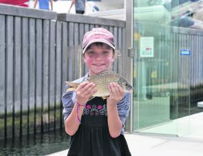 The kids had a ball at the show helping the anglers release their bream back into the depths of the Yarra.