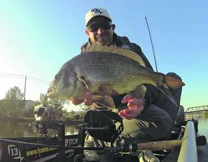 The Maribyrnong River has been turning up some solid bream of late. Fishing from his pedal powered kayak, Dale Baxter managed this 47cm beauty during one of his Thursdale expeditions.