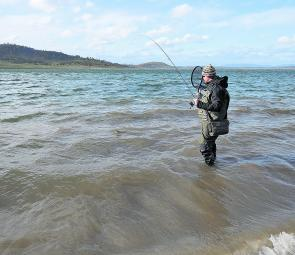Prospecting wind-blown shorelines with lures is without a doubt the best lure-casting technique for Eucumbene. The churned up, muddy water gives you great cover and you only need to be able to make 5-10m casts to have your lure in the strike zone! It's wo