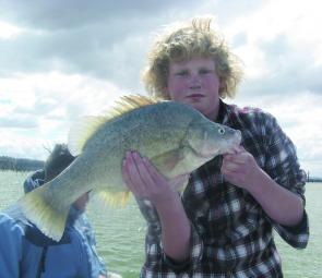 This golden perch won Andrew Eaton the title of Junior Yellowbelly Champion at the 2009 Yamaha Lake Hume Classic.