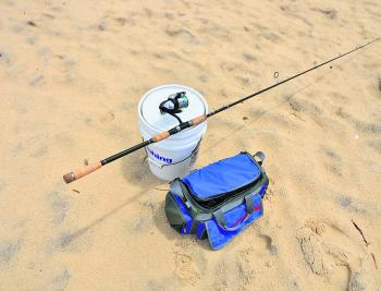 A 3m rod, 4000 size threadline reel, bucket and carry bag. This is everything you need to catch pretty much anything from most beaches along the NSW coastline.