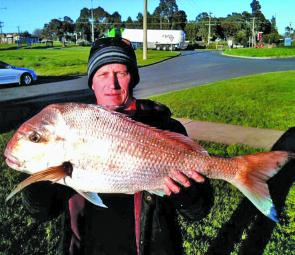 Kristian displaying his 6.6kg snapper taken from Corinella.