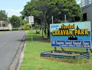 Set into the first side street in the Esplanade it's easy to find the Caravan Park's sign.